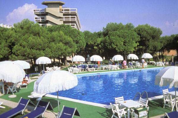Hotel san giorgio 4 stelle porto santa margherita - Piscina san giorgio jonico ...